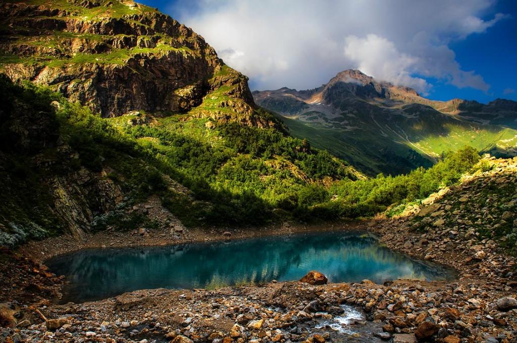 Аликбекский ледник Турье озеро