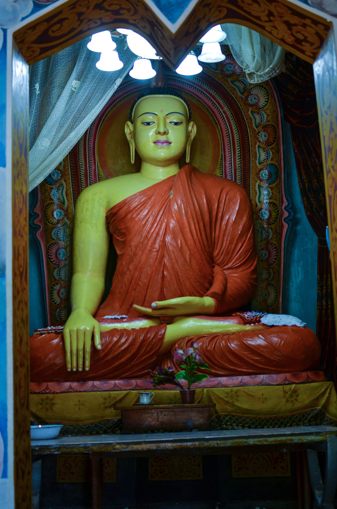 Озеро Коггала Шри Ланка храм будды 3