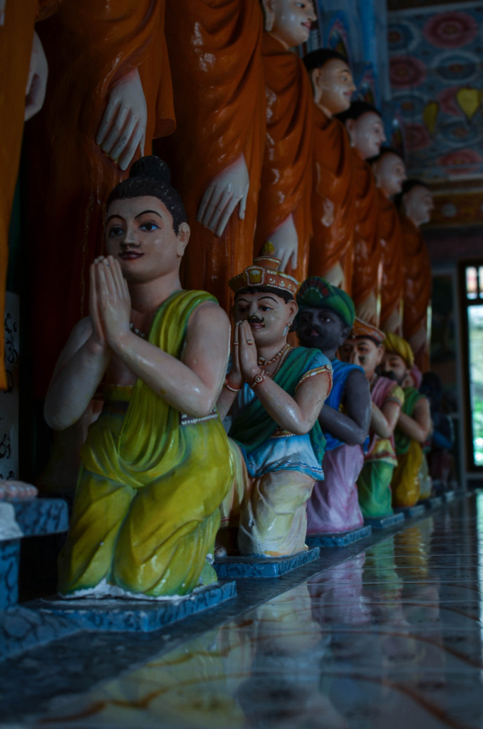 Озеро Коггала Шри Ланка храм будды