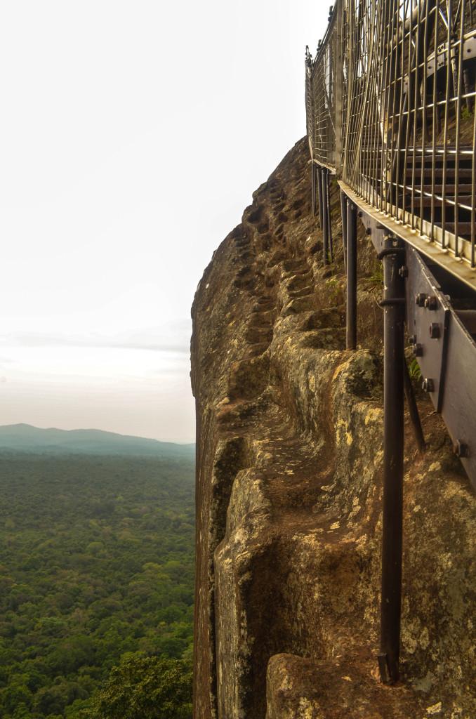 Гора Сигирия оригинальные ступени
