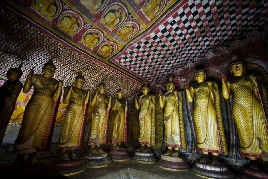 золотой храм дамбулла внутри