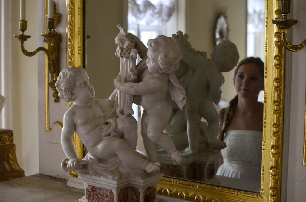 Внутри зала в итальянском домике Кусково