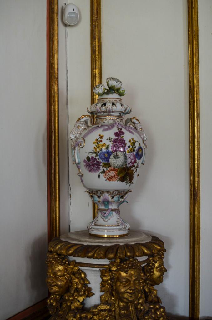 Ваза во дворце Шереметьевых