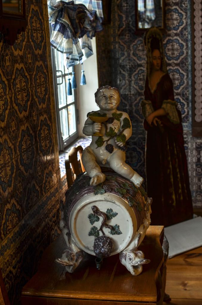 Боченок в голландском домике в Кусково
