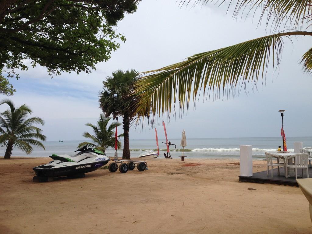 """Вид на пляж Упувели из ресторана """"Краб"""""""
