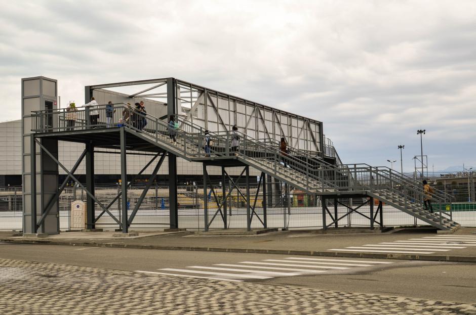 Мост через трассу F1 адлер