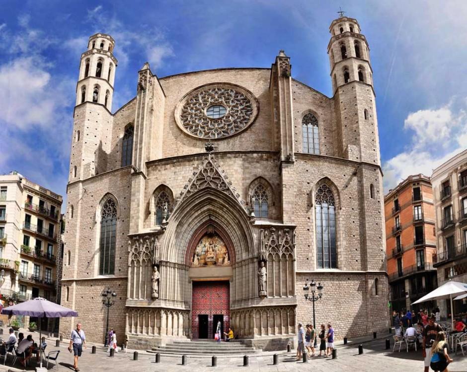 Готический квартал в Барселоне фото